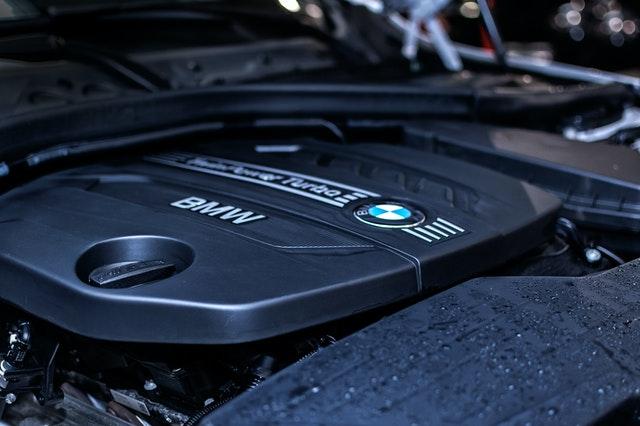 Auto garage motor